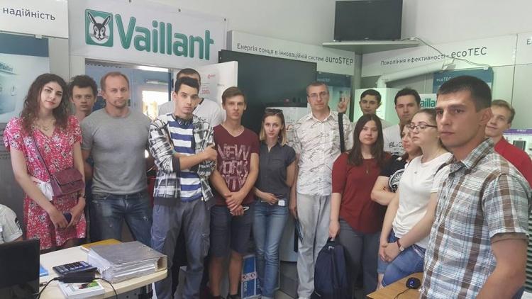 Студенти фізико-енергетичного факультету відвідали інжинірингову компанію «Золотое сечение»