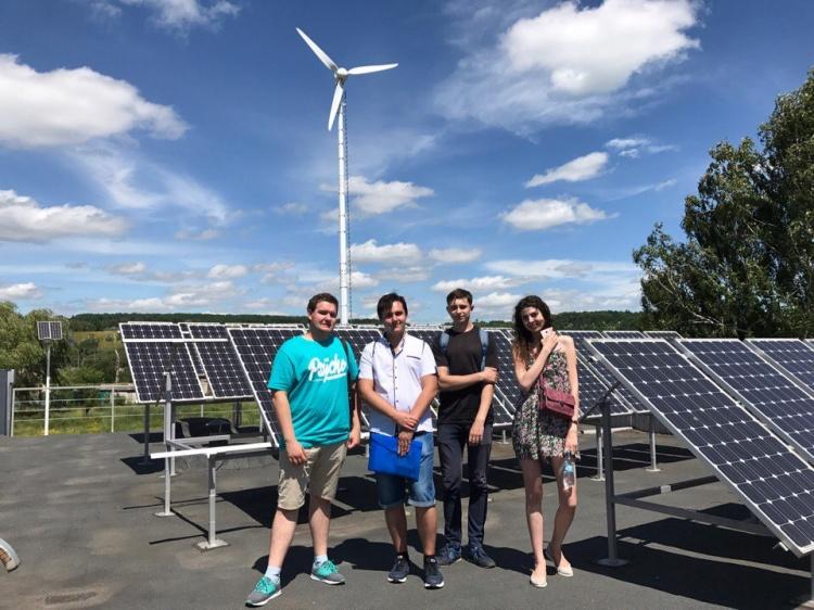 Студенти фізико-енергетичного факультету, в рамках проходження навчально-ознайомчої практики, відвідали енергопарк «Восток» компанії БУРЕНЕРГО.