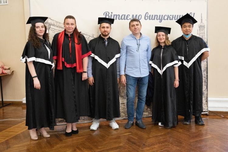 Урочистий випуск магістрів університету